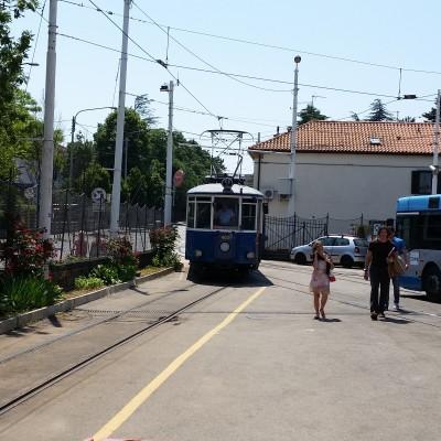 Tram di Opicina in arrivo al capolinea di Villa Opicina