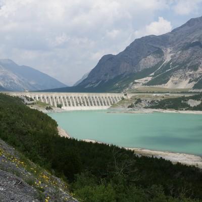 Lago di Cancano, in fondo la diga di San Giacomo